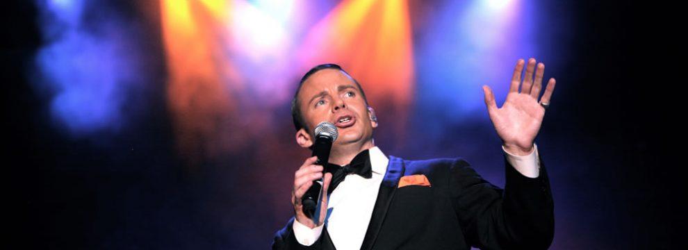 Brian Duprey as Frank Sinatra